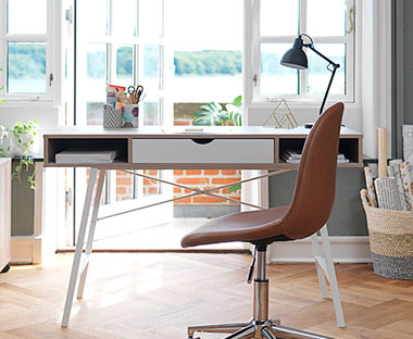 Enorm Skriveborde og PC-borde - Stort udvalg til billige priser | JYSK IV-64